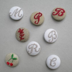 BOUTONS BRODES ALPHABET